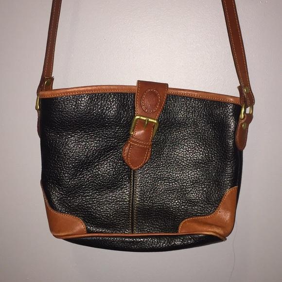 4a356b204 Liz Claiborne Handbags - Liz Claiborne Vintage Crossbody Purse